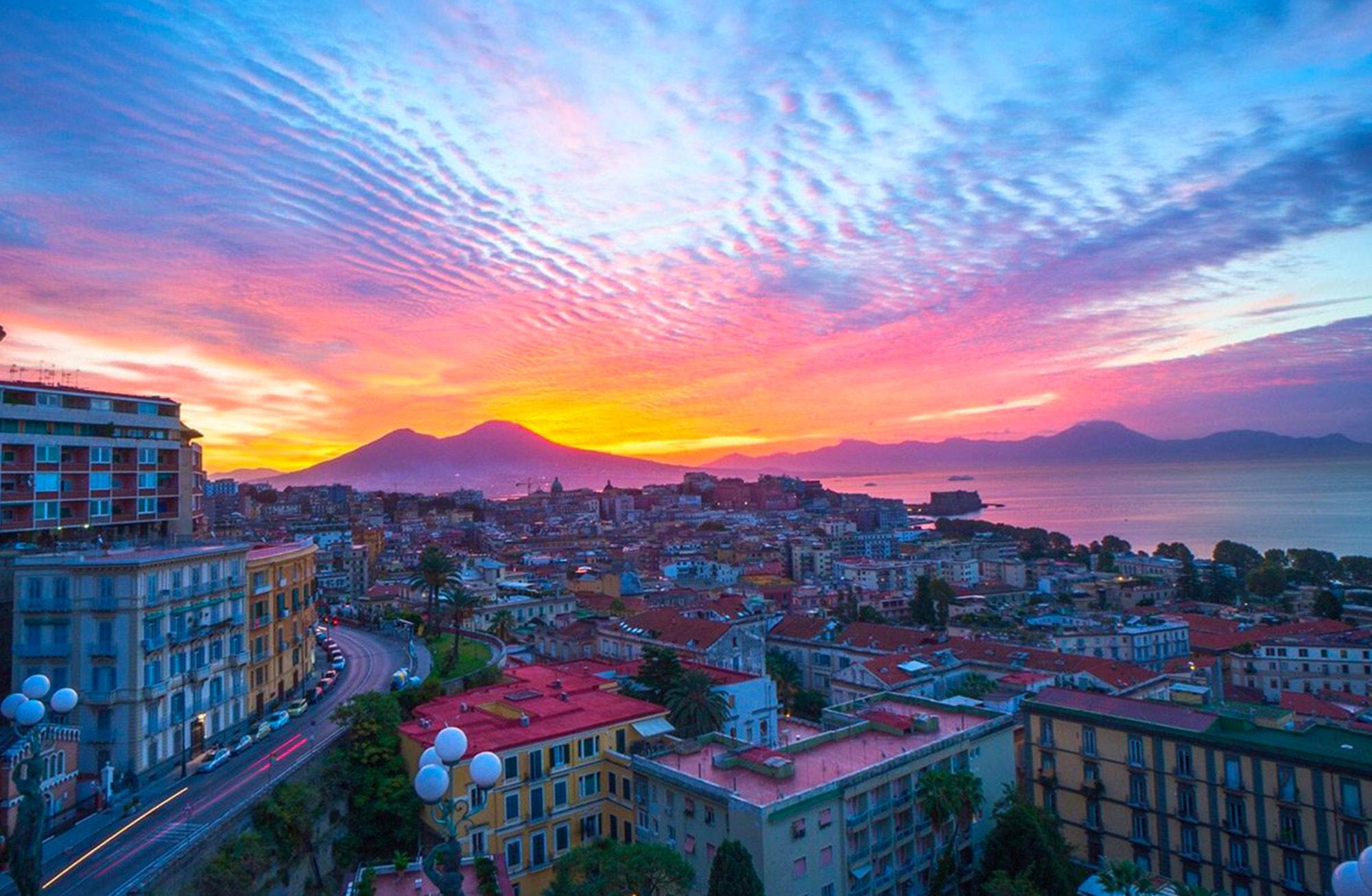 I Racconti Di Napoli La Storia Di Napoli I Miti E Le